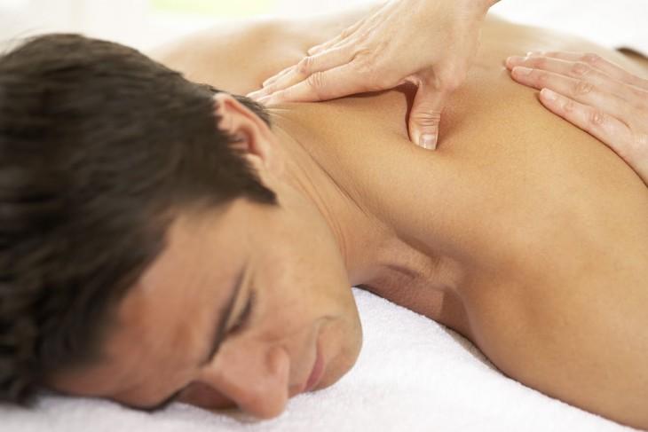Массаж при остеохондрозе шейного отдела позвоночника: как делать и видео