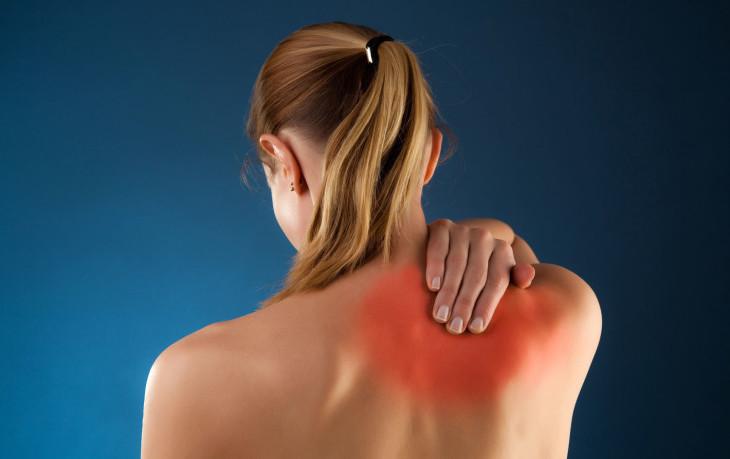 Остеохондроз под лопаткой: симптомы и лечение