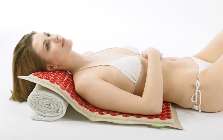 Особенности лечения шейного остеохондроза в домашних условиях