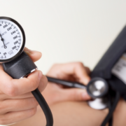 при остеохондрозе может повышаться давление