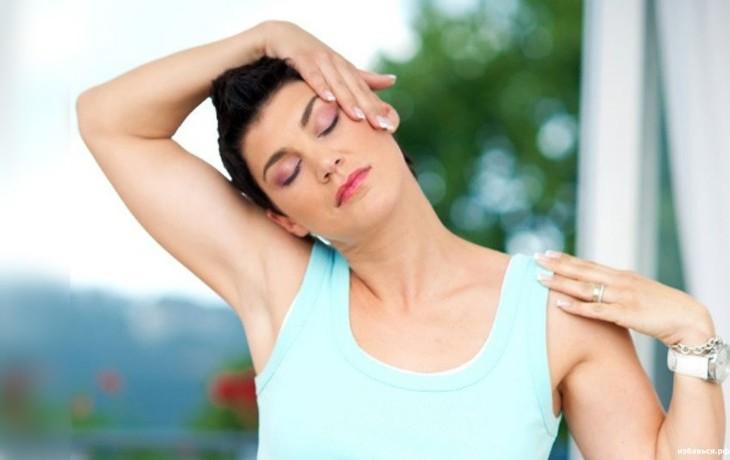 Подбираем комплекс упражнений при шейном остеохондрозе