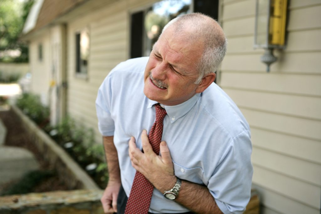 Остеохондроз, боли в сердце и давление