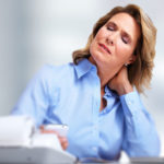 Лечение шейного остеохондроза массажем и лекарствами